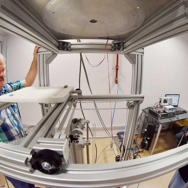 LaTeAndes - Cri.Ar: Operación del magnetómetro criogénico