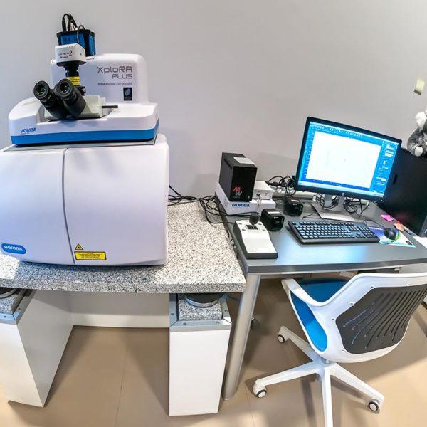 Sistema Horiba Xplora Plus para espectrometría Raman